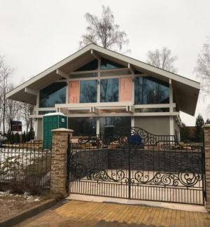 дом с панорамным остеклением фото